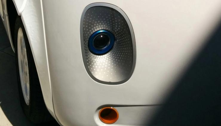 谷歌无人驾驶汽车内部结构公开展示