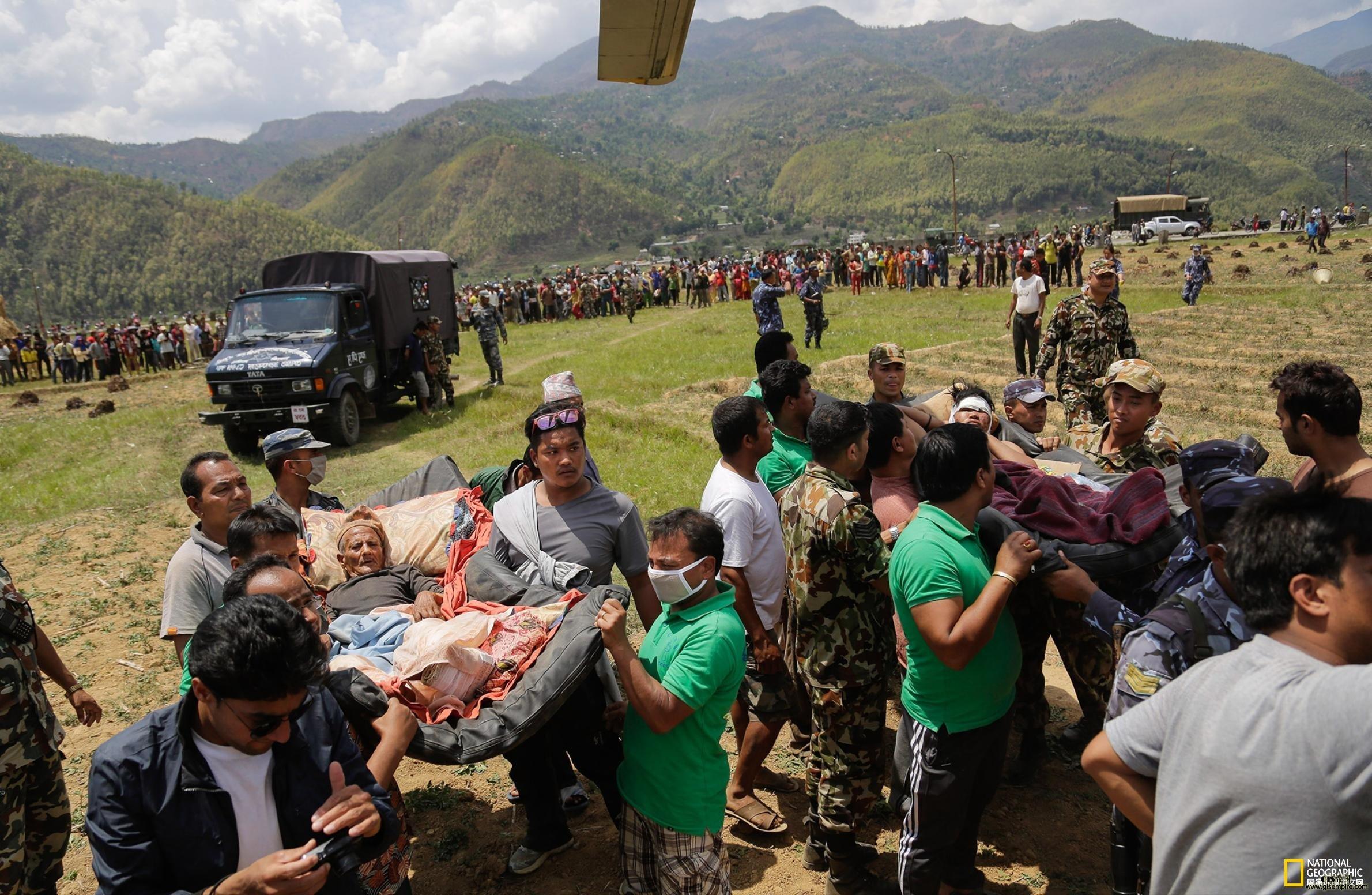 尼泊尔地震灾情新进展:山区村庄灾情严重,无法与外界取得联系